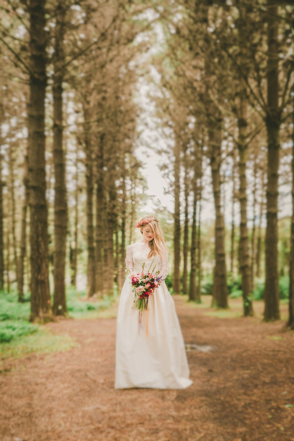 Hunua Ranges Auckland forest boho Wedding photographer rainy day romantic bride rue du siene